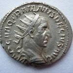 antoninien, Rome 4e ém 4e off 250, 4.10 g, Avers:  IMP C M Q TRAIANVS DECIVS AVG