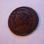 nummus, Avers: CONSTAN-TINOPOLIS, 2.62 g, ex collection H Dolet vente ALDE oct 2013 lot 294