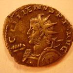 antoninien, 2.56 g, 4e ém 257-258, A/ GALLIENUS P F AVG  buste cuir armé (haste et bouclier) à gauche, méduse BIEN visible