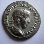 denier, 241 Rome 1e officine, 2.93g, Avers: IMP GORDIANVS PIVS FEL AVG