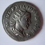 antoninien, Rome, 3.62 g poids léger, 245, 3e officine, Avers: M IVL PHILIPPVS CAES