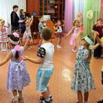 """подготовительная к школе группа с танцем """"Осень к нам пришла"""""""