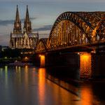 """""""Köln bei Nacht"""" von Patrick Heinz, 2. Platz (09/2014)"""