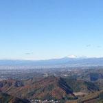 浅間山がかなり雪かぶってます