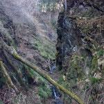 五丈の滝・・・ちょろちょろ・・・