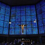 カイザー・ヴィルヘルム記念教会。ステンドがスゴイです