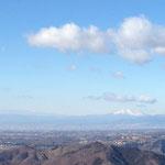 浅間山が真っ白です