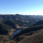 松田湖ダムが見えます