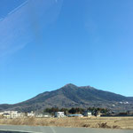 車窓から眺める筑波山!素敵です