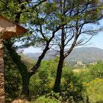 Blick auf Lourmarin in der Haute Provence