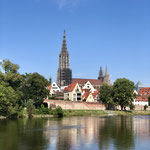Ulmer Münster mit Donau