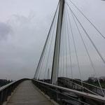 Brücke über den Rhein, die verbindet: Passerelle des deux Rives