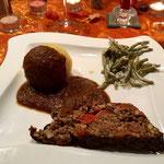 Nussbraten mit Bohnen in Thymian-Senf-Sahne Soße und Kartoffelkloß