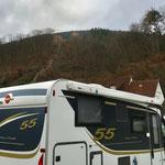 Blick auf die Burgruine bei Freudenberg