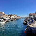 Nette Stadt mit aktiver Fischerei