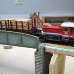 Erste Probefahrt auf fertig kolorierter und gealterter Brücke