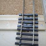 Eingeschobene Schienenprofile helfen beim Ausrichten am Nachbarsegment