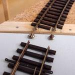 Gelötete Schienenverbinder am Segmentende