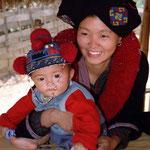 Thaïlande - jeune femme avec son bébé