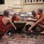 La vaisselle des moines - Birmanie