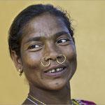 Femme aux anneaux - Indes