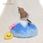 うんちんぐポーズの柴犬・富士山バージョン