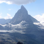 Das Matterhorn ist mit 4478 Metern Höhe einer der höchsten Berge der Alpen. Wegen seiner markanten Gestalt und seiner Besteigungsgeschichte ist das Matterhorn einer der bekanntesten Berge der Welt.