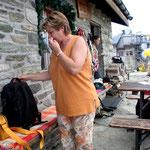 """Vreni musste sich """"die Nase putzen"""" war sie doch sehr gerührt von dieser Schönheit der Berglandschaft!"""