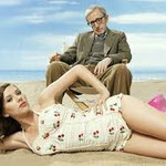 woody allen & scarlett - on the beach