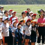 小友小学校では、被災地のグリーンアドバイザーが「花育」の一環として活動しています