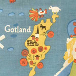 ゴットランドの羊さんに魚がチューしに来てますよ?笑