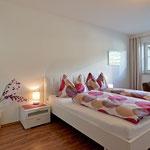 Doppelzimmer mit Schlafcouch für 1 weitere Person in der Fewo Horberg - Apart Rauch