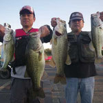 ■釣り人:奥野様                 ■場 所:葉山沖                 ■リ グ:ジグヘッド                 ■サイズ:54・51cm