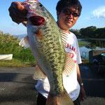 ■釣り人:高村様                 ■場 所:プリンス沖                 ■リ グ:ダウンショット                 ■サイズ:47cm