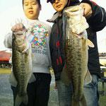 ■釣り人:中川様 ■場 所:浜大津  ■リ グ:ジグヘッド ■サイズ:45cm~55cm