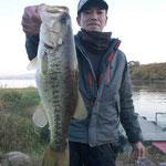 ■釣り人:宇野 様                 ■場 所:名鉄沖                 ■リ グ:NS                 ■サイズ:48cm