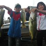 ■釣り人:未羽ちゃん 翔和君                 ■場 所:赤ノ井周辺                 ■サイズ:45cm~多数