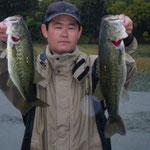 ■釣り人:森安氏                 ■場 所:カネカ沖                 ■リ グ:ジグヘッド                 ■サイズ:52~48cm