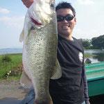 ■釣り人:新久保様                 ■場 所:葉山沖                 ■リ グ:クランク                 ■サイズ:57cm