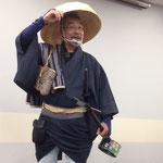 あとさきにて、飯野和好さんが講演。和装が素敵です★