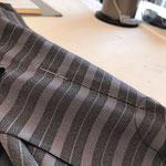 身頃の揚げから縫っていきます。