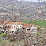 la maison de l'échappée trémoussante dans la drôme des collines avec panorama sur le massif central et la chaîne des alpes