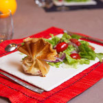 Salade et sa brick de chèvre au jambon cru