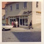 1964: ehemaliges Geschäftshaus mit Reinigungsannahmestelle