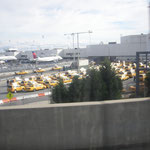 NYC LA Guardia Taxiparkplatz