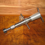 am Entwicklung und Fertigung von chiroprakrischen Werkzeugen 2