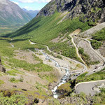 The road is open from June to September for motor vehicles, in winter it is blocked by ice and snow.