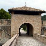 Portone d'accesso al castello di Thun (Tn)