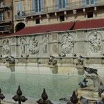 Fonte Gaia, Brunnen der Freude