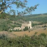 Blick auf die Abtei Sant'Antimo